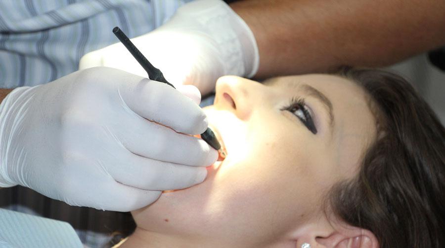 Имплантация беззубой нижней челюсти